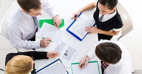 8.823 Personen nutzen bereits Weiterbildungsgeld (Bild: © 2010 Photos.com, a division of Getty Images)