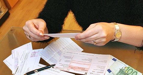 AKNÖ kritisiert hohe Gebühren für Bankkonten (Bild: Peter Tomschi)