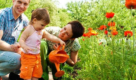 Land möchte Eltern bei Erziehung unterstützen (Bild: © 2010 Photos.com, a division of Getty Images)