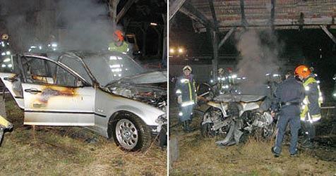Fluch-Auto nach Unfall auch noch abgebrannt (Bild: FF Scharnstein)