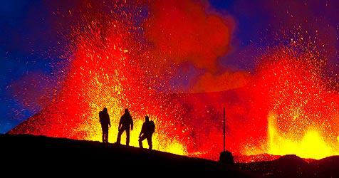 Islands Top-Köche grillen Gourmet-Gerichte auf Lava