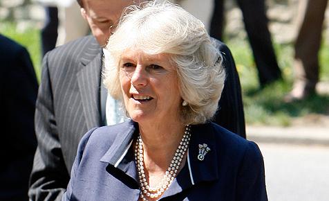 Herzogin Camilla bricht sich beim Wandern das Bein