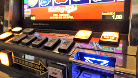 Glücksspiel: In OÖ und NÖ bis zu 2.500 neue Automaten (Bild: APA/GEORG HOCHMUTH)