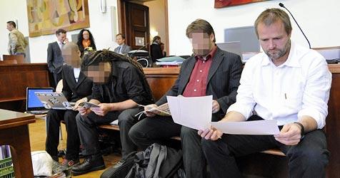 Ermittlungen illegal? Balluch kündigt Klagen an (Bild: APA/HELMUT FOHRINGER)
