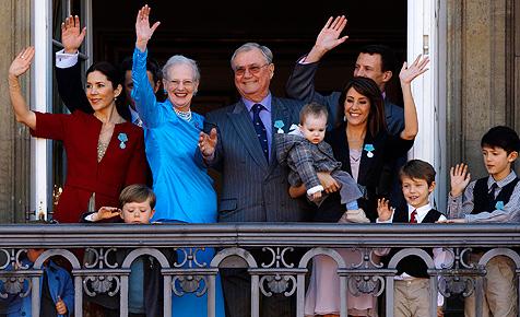 Jubel vor Schloss Amalienborg: Die Königin ist 70
