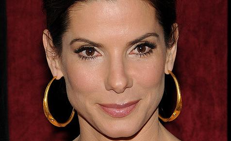 Betrogene Sandra Bullock hat ihren Ehering abgelegt