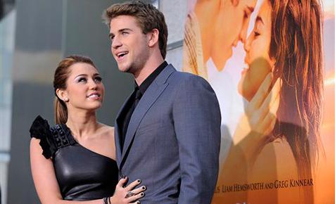 "Teenie-Idol Miley Cyrus ""so verliebt wie nie zuvor"""