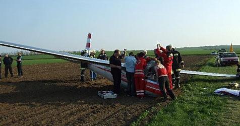 Segelflugzeug bei Altlichtenwarth abgestürzt (Bild: ÖAMTC)