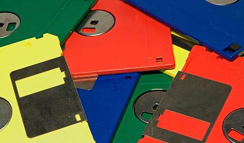 Sony trägt die Floppy-Disk zu Grabe (Bild: © 2010 Photos.com, a division of Getty Images)