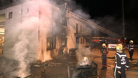 Autolenker kann Großbrand in einer Firma verhindern (Bild: Markus Tschepp)
