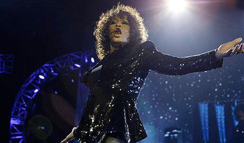 Standing Ovations für Whitney Houston in London (Bild: AP)