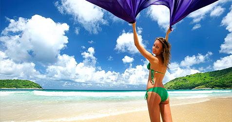 Was für einen Strand-Tag in deine Badetasche muss (Bild: © 2010 Photos.com, a division of Getty Images)