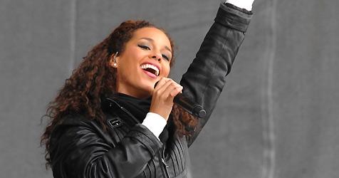 Alicia Keys outet sich als Fan von Tiroler Quellwasser (Bild: APA/TVB Paznaun-Ischgl)