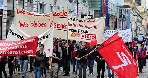 """Kundgebungen zum """"Tag der Arbeit"""" friedlich verlaufen (Bild: Foto Kerschi)"""