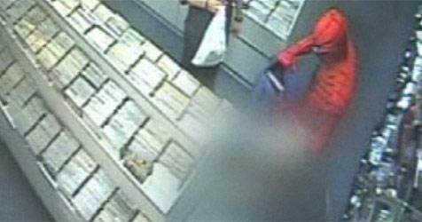 """""""Spiderman"""" stellt Ladendieb in Comic-Shop (Bild: Adelaide Now)"""