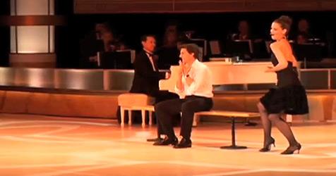 Hohn und Spott für Katie Holmes und Tom Cruise (Bild: YouTube.com)