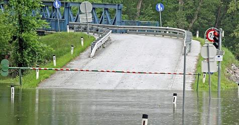 """Hochwasseralarm an der March - Grenzen """"dicht"""" (Bild: Klemens Groh)"""