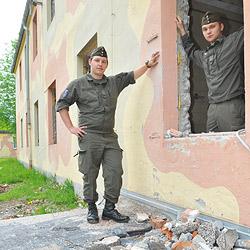 Soldaten müssen in Elendsquartieren unterkommen (Bild: Wolfgang Weber)