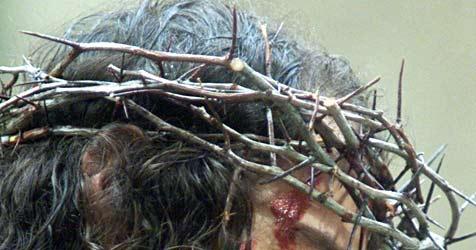 Betrunkener reißt Jesus-Dornenkrone von Missionskreuz (Bild: DPA Jan Nienheysen/jn/h/bb)