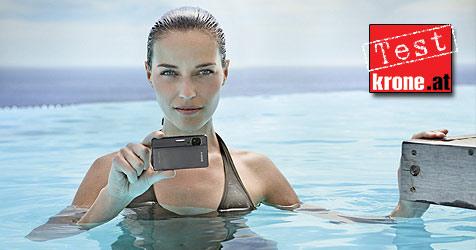 Sonys Cyber-shot TX5 beweist Nehmerqualitäten (Bild: Sony)