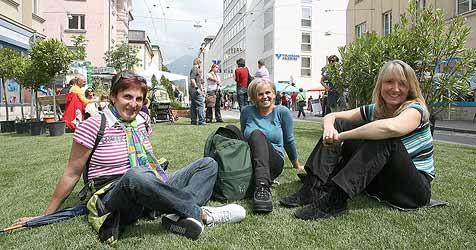 Buntes Fest in Lehen stoppt Straßenverkehr (Bild: Andreas Tröster)