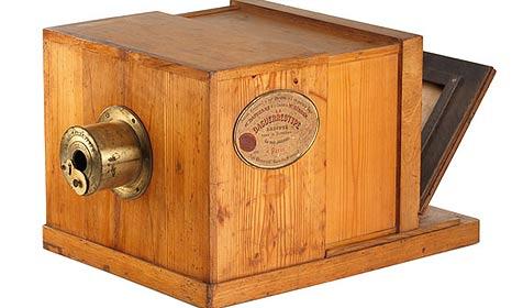 Antike Kamera in Wien zu Rekordpreis versteigert (Bild: Galerie Westlicht)