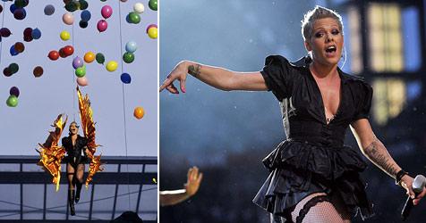 """P!nk hebt auf ihrer neuen Tour ab - die """"Krone"""" war dabei (Bild: AFP)"""