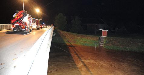 Schüler springt bei Hochwasser in die Krems und ertrinkt (Bild: Foto Kerschi)