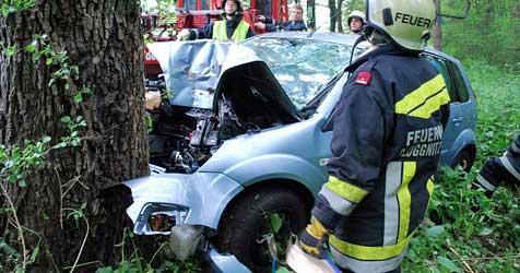 Erneut tödlicher Crash im Bezirk Neunkirchen (Bild: Einsatzdoku.at)