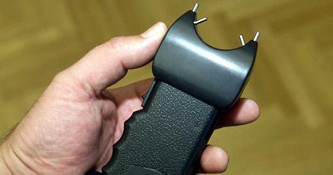 Brutaler Überfall mit Elektroschocker in Wels (Bild: Andi Schiel)
