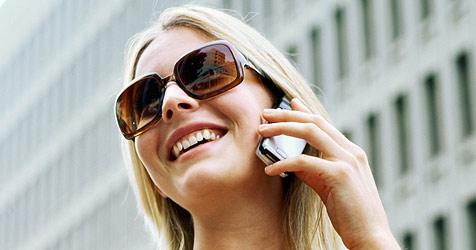 Leben ohne Handy für ¾ der Frauen unvorstellbar (Bild: © 2010 Photos.com, a division of Getty Images)