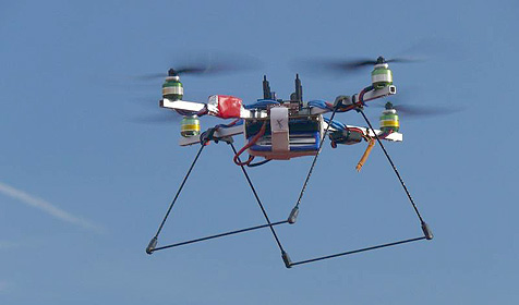 Mini-Hubschrauber sollen Funknetze wiederherstellen (Bild: TU Ilmenau)