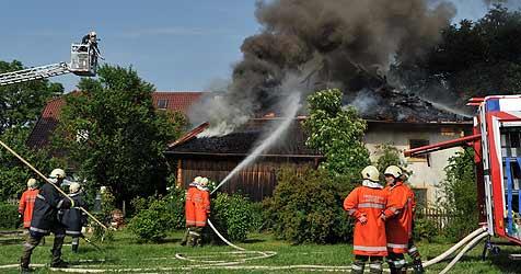 Feuerwehrmänner waren bei Brand in Lebensgefahr (Bild: Weber)