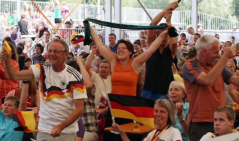 Public Viewing in Baden ein voller Erfolg (Bild: Klaus Kreuzer)