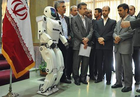 """Iran feiert ersten eigenen """"Roboter-Menschen"""""""