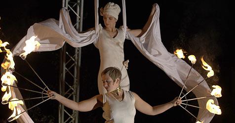 Hochseilakte und Straßentheater in Linz (Bild: Stadt Linz)