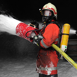 Hoher Schaden bei Brand in Gießerei in Mitterberghütten (Bild: Andreas Kreuzhuber)