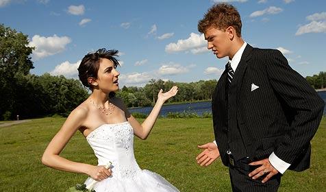 Hilfe, mein Schatz will geheiratet werden! (Bild: � 2010 Photos.com, a division of Getty Images)