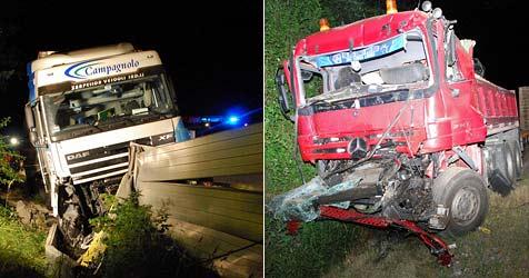Crash zweier Lkw legte die A2 im Frühverkehr lahm (Bild: Einsatzdoku.at)