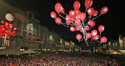 Jubiläumsfeier in Rot-Weiß-Rot im August in Linz (Bild: Krone Archiv)