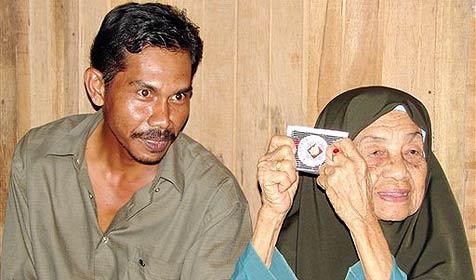 108-Jährige nimmt ihren 38-jährigen Ehemann zurück (Bild: AP)