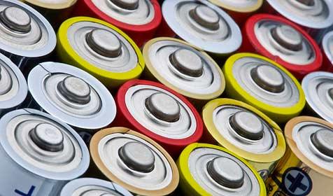 Neuartige Batterien lassen sich durch Schütteln aufladen (Bild: © 2009 Photos.com, a division of Getty Images)