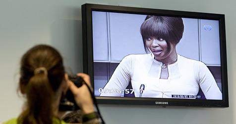 Naomi Campbells Rohdiamanten der Polizei übergeben