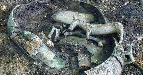 Archäologen entdecken Grab eines Adeligen (Bild: APA / Naturhistorisches Museum)