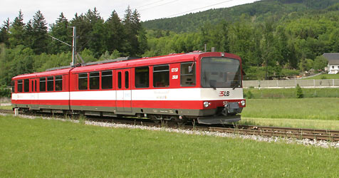 Salzburger Pendler bangen um die Lokalbahn (Bild: Markus Tschepp)