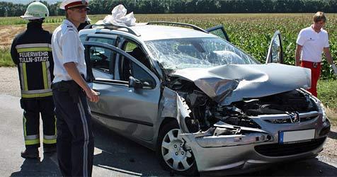 Schwangere bei Unfall im Bezirk Tulln verletzt (Bild: Stadtfeuerwehr Tulln)