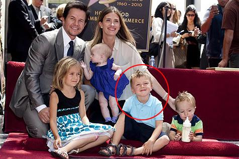 Riesenkrake griff Mark Wahlbergs Sohn Michael an
