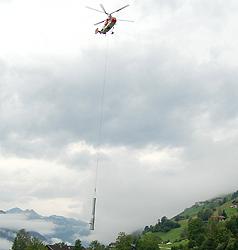 Hubschrauber fliegt 23 Liftstützen auf Wildkogel (Bild: Krone Archiv)