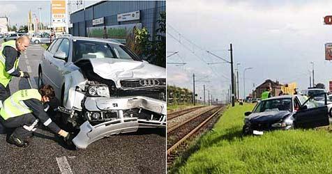 Frontalunfall auf B17 in Vösendorf: Autos schrottreif (Bild: FF Vösendorf)