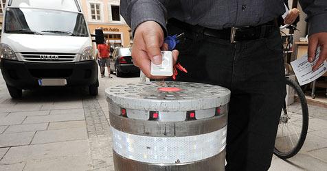 Hochsaison für Pollerschwindel in der Altstadt (Bild: APA/Barbara Gindl)
